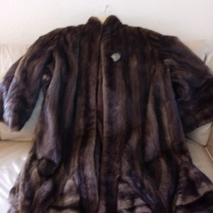 EXCELLENT CONDITION- SAGA RANCH MINK LONG RUFFELED